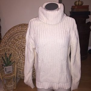 New! BANANA REPUBLIC knit turtleneck sweater MED.